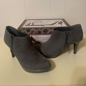NWT Gray suede ankle bootie